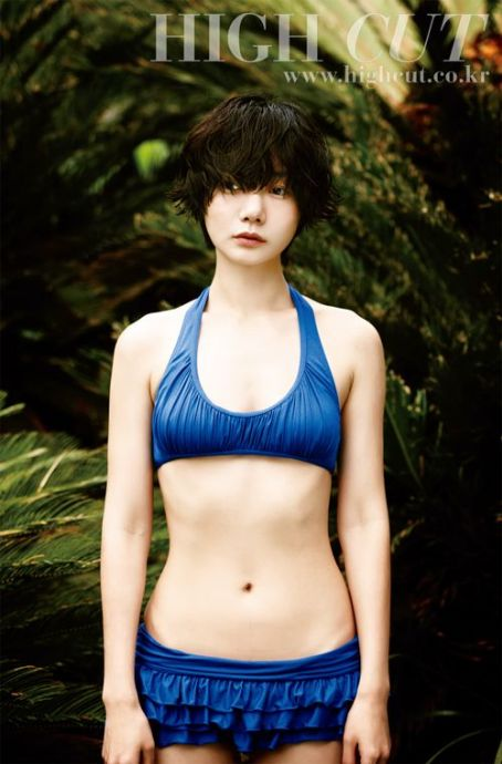Doona Bae Bae Doo-na - High Cut Magazine Pictorial [Korea, South] (7 July 2011)