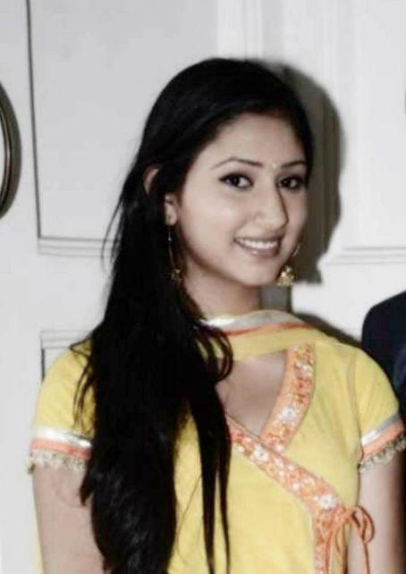 Disha Parmar Actress  pictures