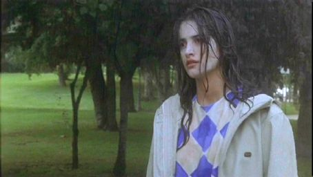 Sofia Serrano - Penelope Cruz as Sofia in Artisan Entertainment's drama movie Open Your Eyes - 1997