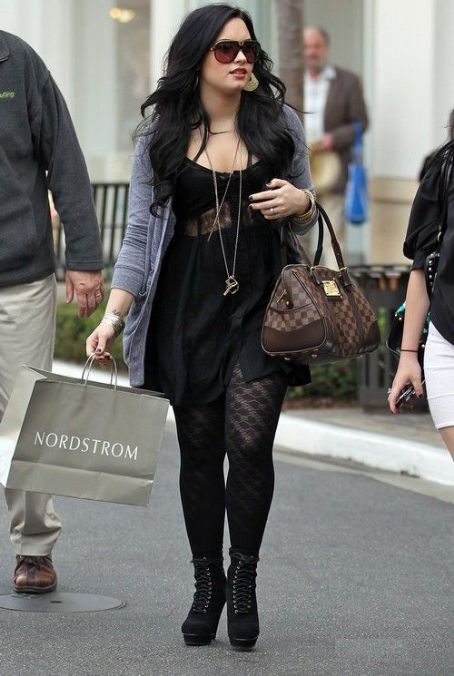 Demi Lovato. Black Dress. Louis Vuitton Berkeley Handbag | My ...