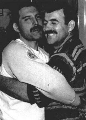 Jim_Hutton_Freddie_Mercury's_Boyfriend http://www.allstarpics.net/pictures/8666819/jim-hutton-and-freddie-mercury-pics.html