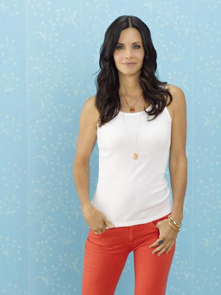 Courteney Cox - Cougar Town - Season 2 Promos