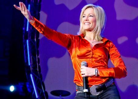 Helene Fischer  - MDR 1-Schlager-Starparade in Magdeburg 28.10.07
