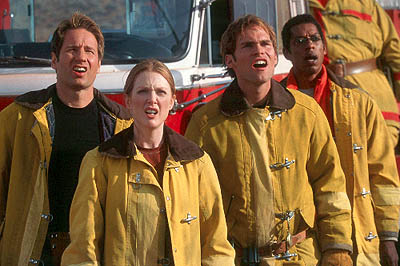David Duchovny, Julianne Moore, Seann William Scott and Orlando Jones in Dreamworks' Evolution - 2001