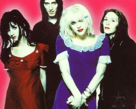 Kristen Pfaff  (first in photo) with Hole