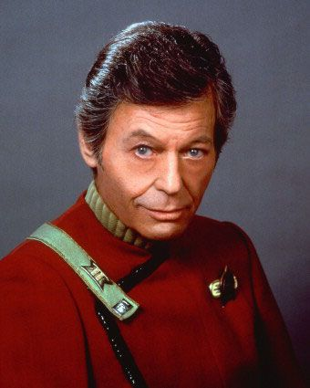 DeForest Kelley  in Star Trek VI: The Undiscovered Country (1991)