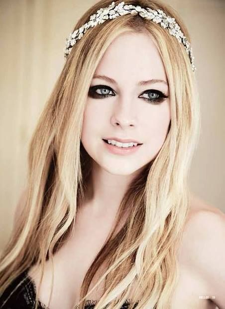 Avril Lavigne - Avril and Chad's wedding in France (July 1, 2013)
