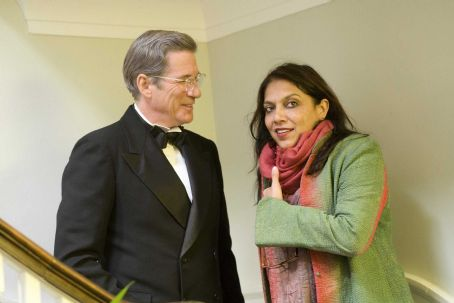 Amelia Richard Gere and Director Mira Nair on the set of AMELIA. Photo Credit: Ken Woroner