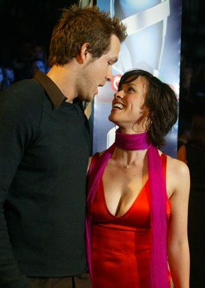 Alanis Morissette  Ryan Reynolds on Alanis Morissette And Ryan Reynolds Pics   Alanis Morissette And Ryan