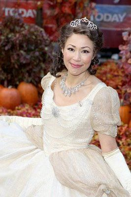 Ann Curry dresses up for Halloween