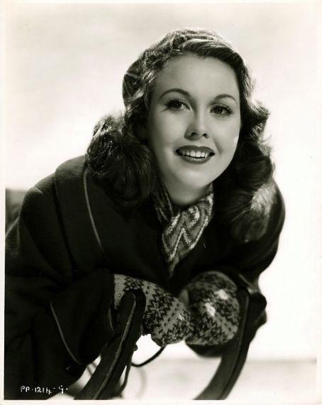 Hazel Court - Images Actress