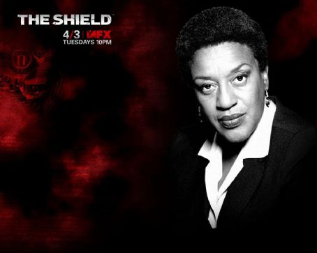 CCH Pounder The Shield Wallpaper
