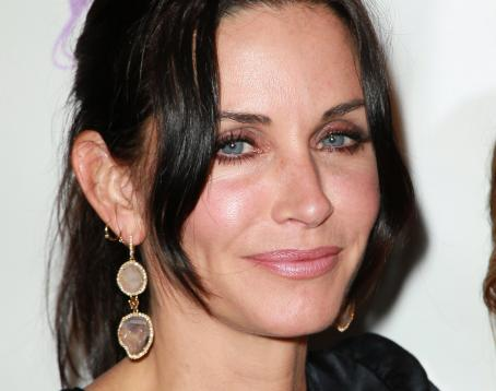 Courteney Cox - 15 Annual Los Angeles Antique Show Opening Night Preview Party Benefiting P.S. ARTS At Barker Hanger On April 21, 2010 In Santa Monica, California