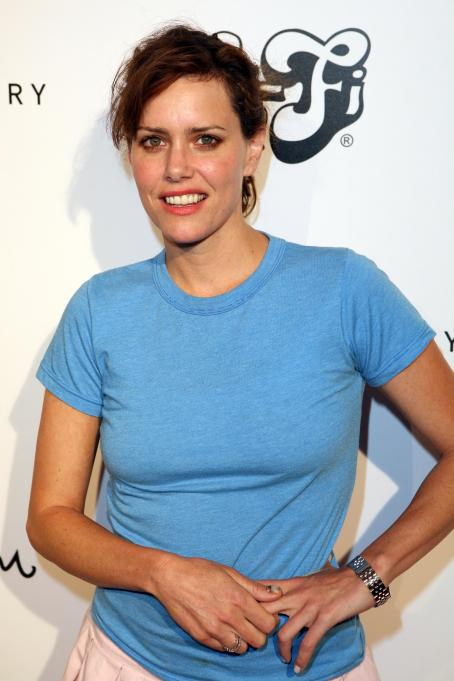 Ione Skye - Wallpaper Gallery