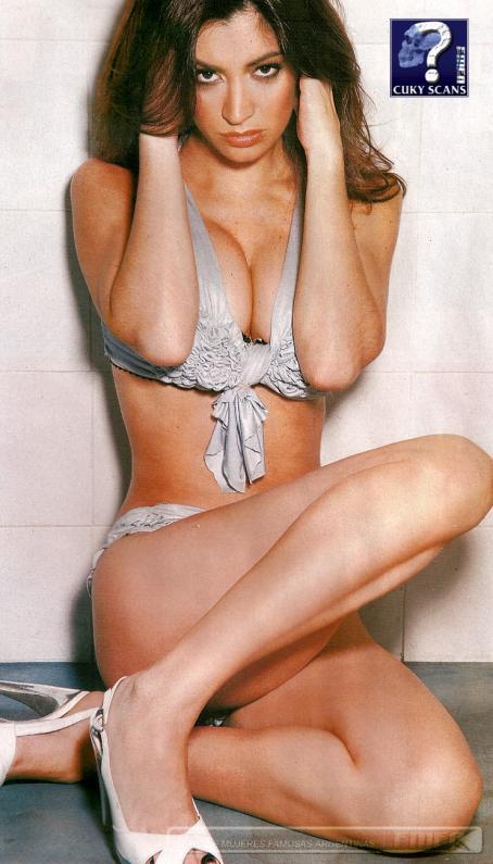Carla Conte  - Gente Magazine October 9 2007