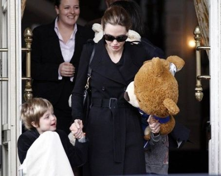 Angelina Jolie: Amsterdam Family Fun