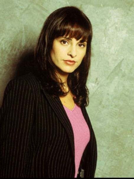 NYPD Blue Jacqueline Obradors as Det.Rita Ortiz in