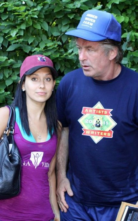 Alec Baldwin & Hilaria Thomas: Engaged To Be Married