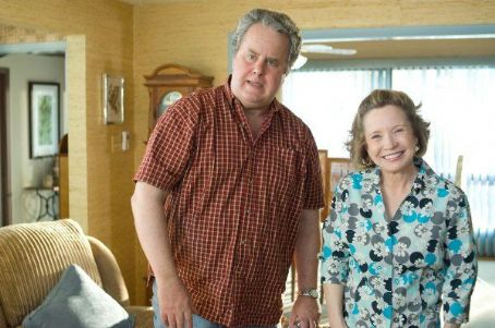 Debra Jo Rupp - She's Out of My League (2010)