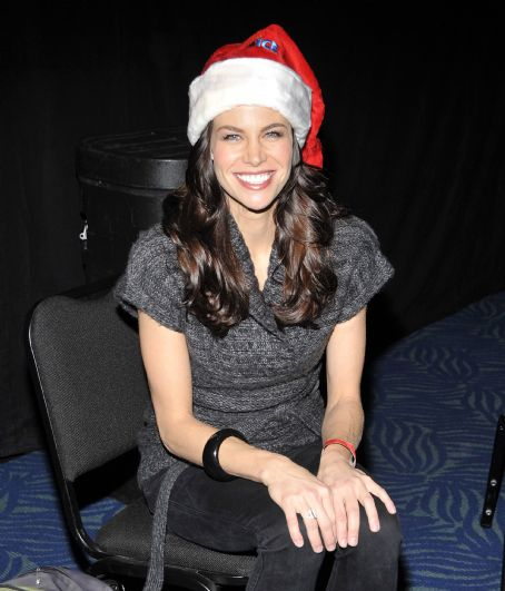 Brooke Burns - Disney On Ice Presents Worlds Of Fantasy In LA (Dec 16, 2009)