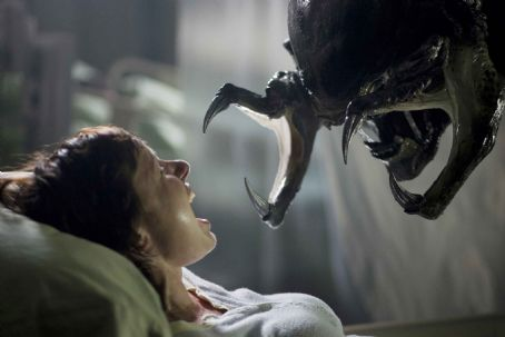 AVPR: Aliens vs Predator - Requiem Sue (Victoria Bidewell) has a rather unpleasant encounter with the PredAlien. Photo credit: James Dittiger.