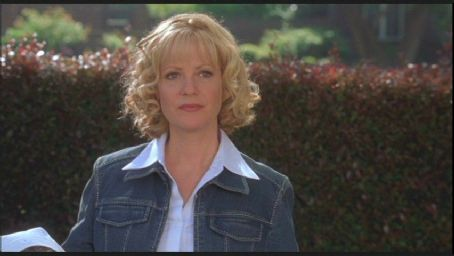 Bonnie Hunt in Cheaper by the Dozen - 2003