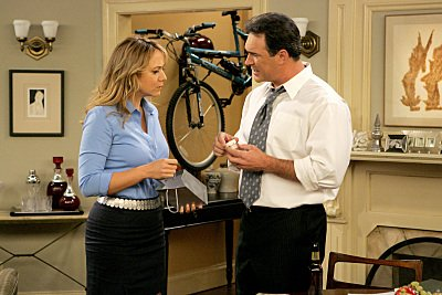 Megyn Price Rules of Engagement (2007)