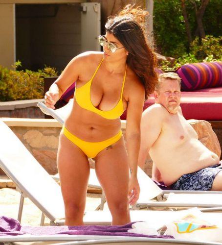 Erika Yellow Bikini VegasPicture Medina Las In 8XnOkw0P