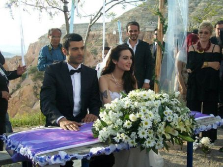 Birce Akalay Murat Ünalmis and   Get Married