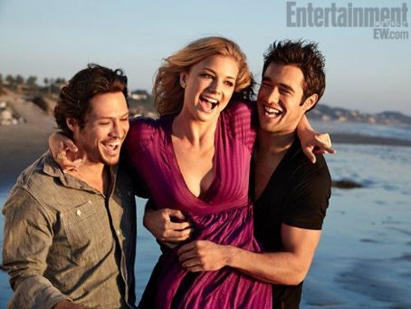 Revenge Nick Wechsler, Emily VanCamp, Joshua Bowman - Entertainment Weekly Magazine Pictorial [United States] (27 January 2012)