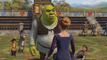 Puss in Boots Shrek (MIKE MYERS) receives some interesting news as his friends Puss In Boots (ANTONIO BANDERAS), Donkey (EDDIE MURPHY) and Lancelot (JOHN KRASINSKI) look on — in DreamWorks' SHREK THE THIRD, to be released by Paramount Pictures in May 2007.