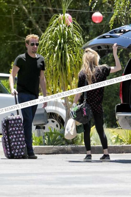 Avril Lavigne - Avril and Chad at Los Feliz 28/06/2012