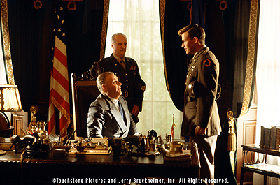 Capt. Rafe McCawley Following the Japanese attack on Pearl Harbor, President Franklin D. Roosevelt (Jon Voight) meets with General Marshall (Scott Wilson) and pilot Rafe McCawley (Ben Affleck) in Touchstone Pictures' Pearl Harbor - 2001