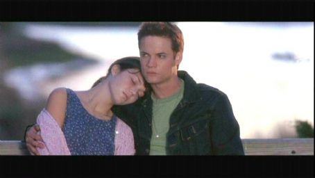 Mandy Moore and Shane West  in A Walk to Remember - 2002