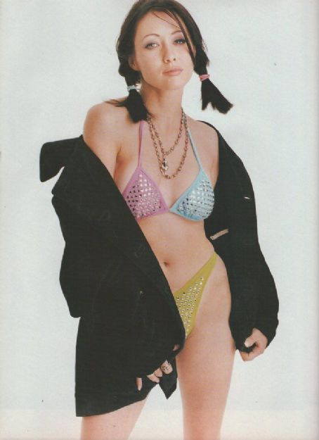 Shannen Doherty - Sky Magazine Pictorial [United Kingdom] (August 1995)
