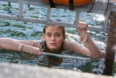 Sara Paxton - Shark Night 3D