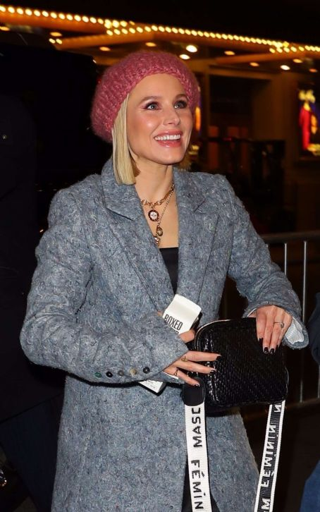 Kristen Bell – Arriving at a Broadway play in New York