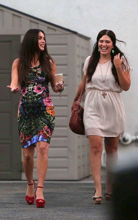 Megan Fox out for an early evening coffee run with her sister Kristi (August 19)