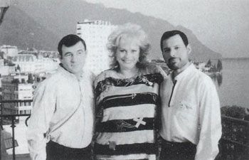 Jim Hutton and Freddie Mercury Jim Hutton, Barbara Valentine and Freddie Mercury. Picture taken from the terrace of Montreux Palace Hotel in 1989.