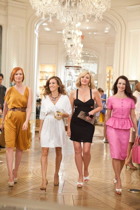 Kristin Davis - (L-r) CYNTHIA NIXON as Miranda Hobbes, SARAH JESSICA PARKER as Carrie Bradshaw, KIM CATTRALL as Samantha Jones and KRISTIN DAVIS as Charlotte York in New Line Cinema's comedy 'SEX AND THE CITY 2,' a Warner Bros. Pictures release. Photo by Crai
