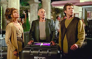 Daniel Hugh Kelly Donna Murphy, Patrick Stewart and  in Star Trek: Insurrection