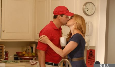 Connie Britton Kyle Chandler