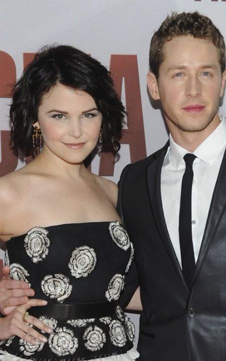Ginnifer Goodwin Glams Up the 2011 CMA Awards