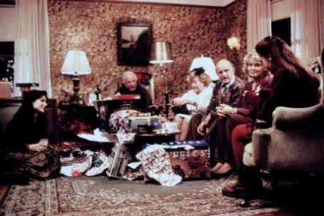 Jack Warden Peter Boyle, , Glynis Johns, Sandra Bullock, Monica Keena And Micole Mercurio In While You Were Sleeping (1995)