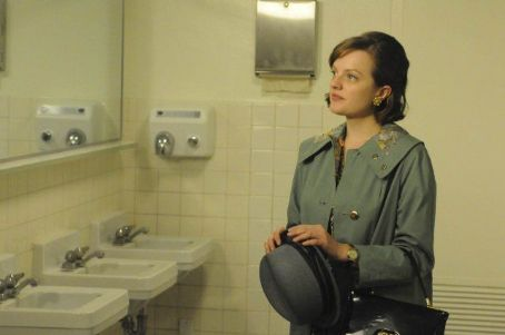 Elisabeth Moss - Mad Men (2007)