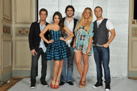 Teen Angels: once again the stylish music group
