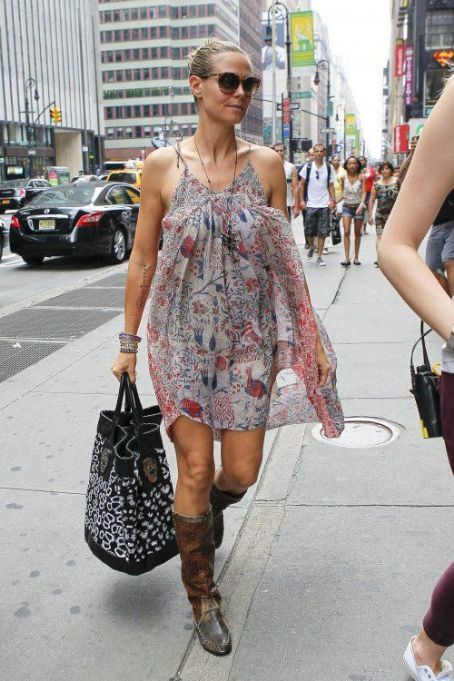 Heidi Klum heading to a business meeting in Manhattan today (August 11)