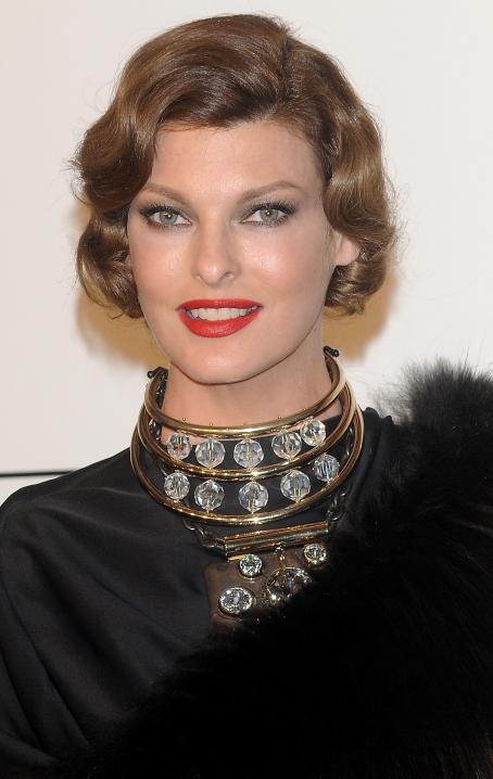 Linda Evangelista - AmfAR Milano 2009 Auction And Show, The Inaugural Milan Fashion Week Event At La Permanente On September 28, 2009 In Milan, Italy