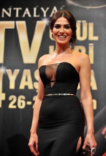 Gamze Karaman 4. Antalya TV Awards - April 27, 2013