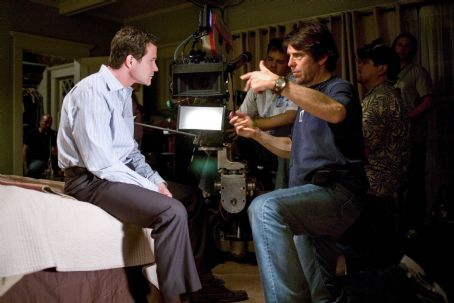 Dylan Walsh (left) and Director Nelson McCormick on the set of Screen Gems' thriller THE STEPFATHER. Photo By: Chuck Zlotnick. © 2009 Screen Gems, Inc. All rights reserved.